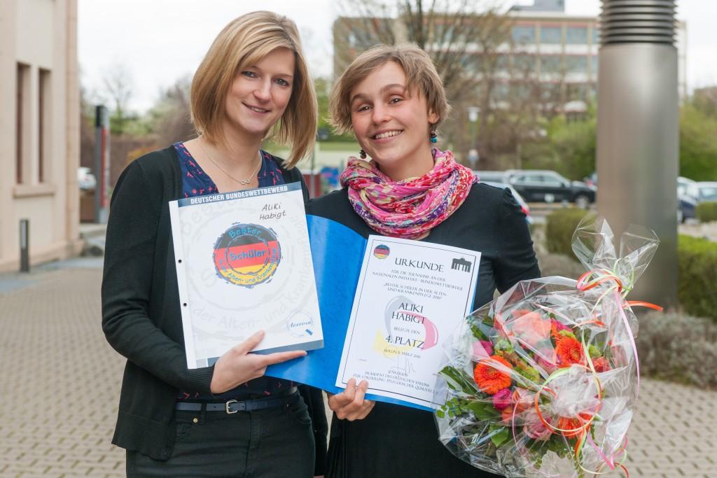 Aliki Habigt_Auszeichnung beste Krankenpflegeschuelerin_201603290055695