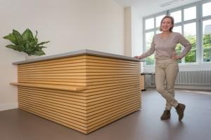 Heike Hass, Mitarbeiterin des Heidelberger Instituts für Psychotherapie (HIP), an der Anmeldung. Das HIP ist als Einrichtung des Universitätsklinikums Heidelberg eine staatlich anerkannte psychotherapeutische Ausbildungsstätte.