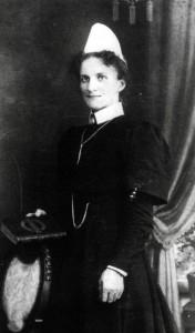 katharina-schemenau-hebamme-1904